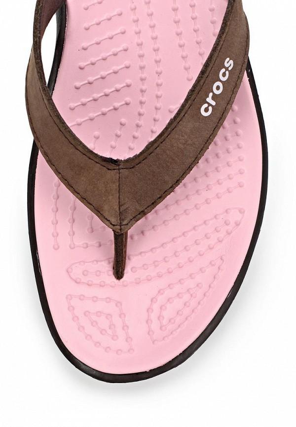 фото Сланцы женские Crocs CR014AWAUU30, коричневые