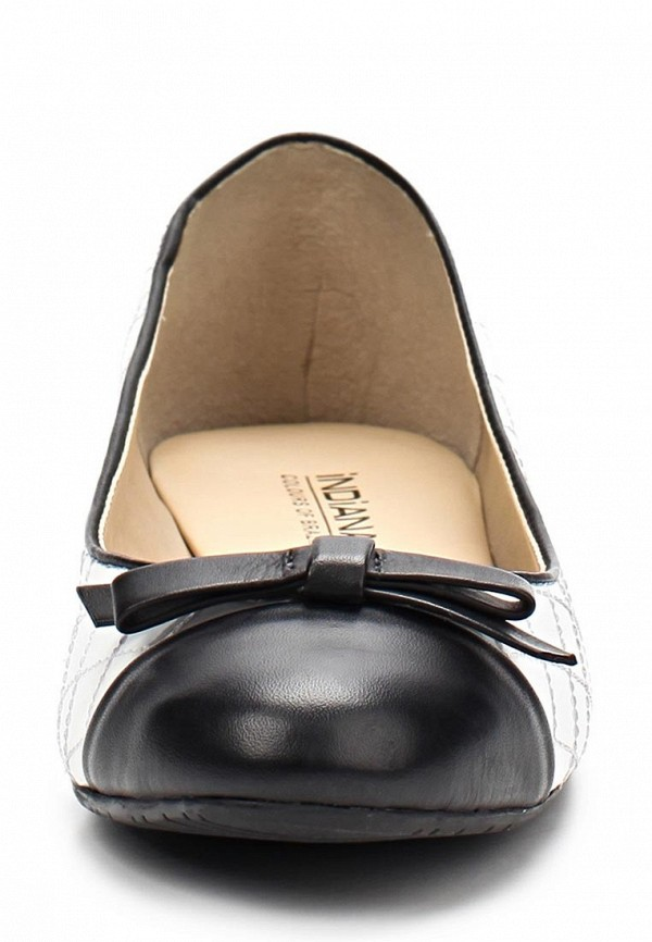 фото Балетки на каблуке Indiana IN030AWAPJ40, белые с черным (кожа)