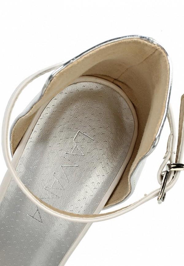 фото Босоножки на каблуке Lamania LA002AWAAF70, серебристо-белые